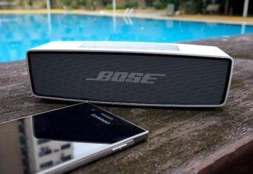 Diffusori wireless impermeabili da spiaggia quale scegliere.